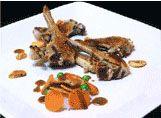 Chuletillas de Lechazo Churro con ajo confitado en Aceite